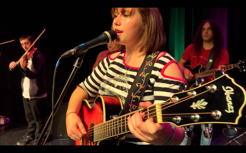 Julia DoRo performs FREE